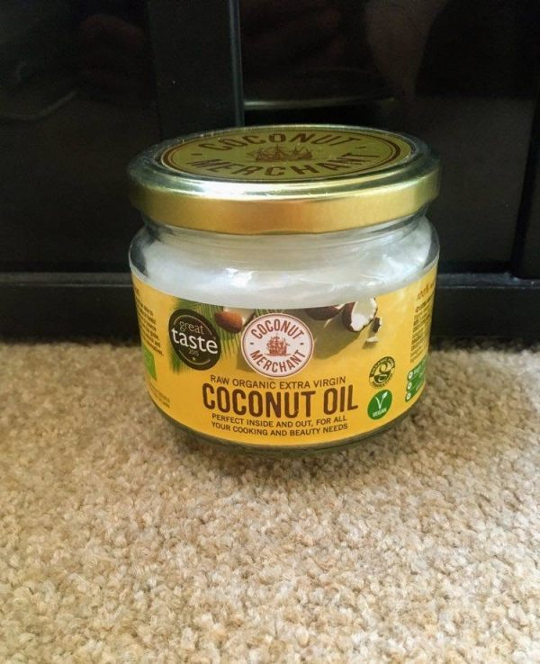 Coconut oil moisturises the skin.